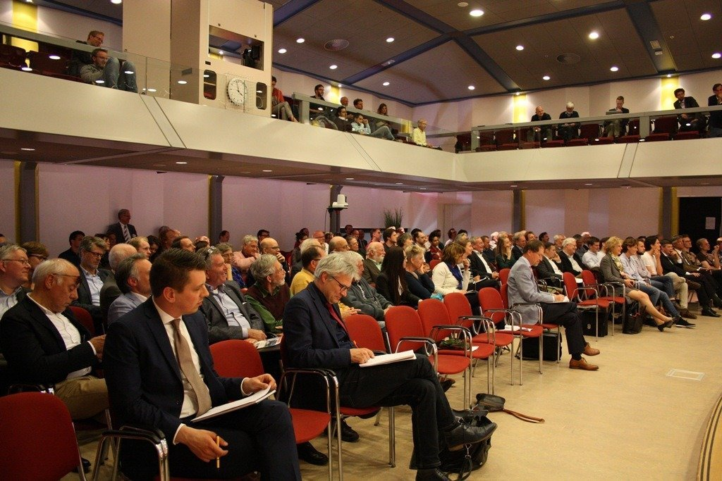 Full room during the opening symposium