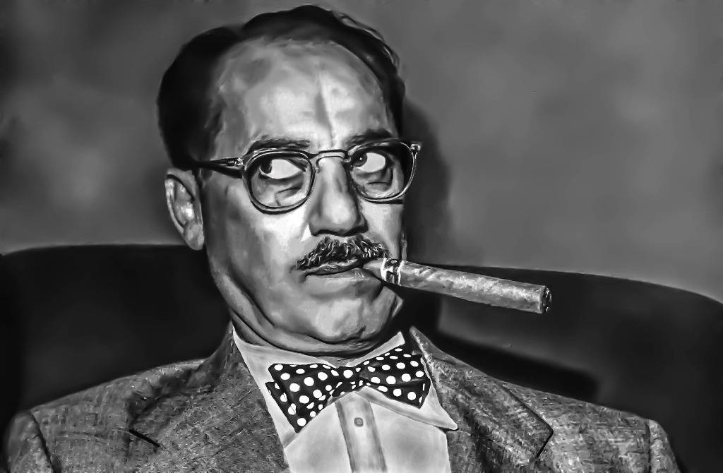 Man smoking a sigar