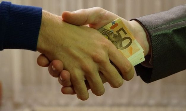 How Managers Should Respond When Bribes Are Business as Usual