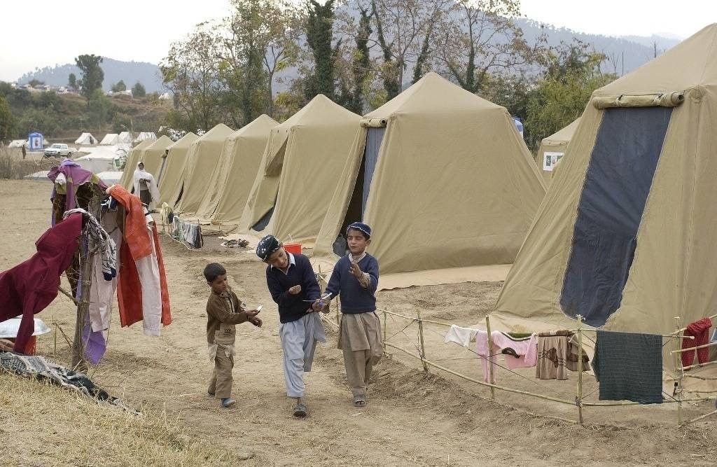 People living in tents in Pakistan