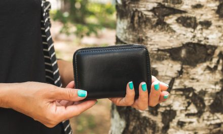 Lost Wallets More Likely To Be Returned If They Hold Cash